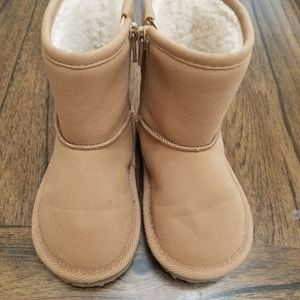 Gap boots for kids Size 8, Tan